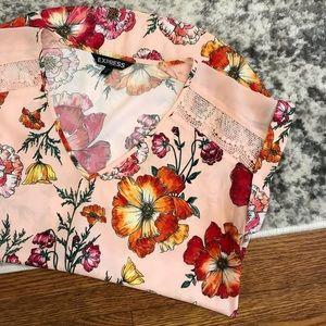 Floral V-Neck Gramercy Tee - Express